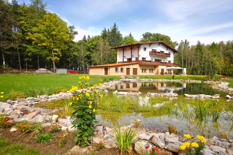 Penzion Rochota - Vaše ubytování a nerušená dovolená v Brdech Vám přinese odpočinek, relaxaci a klid. Pro jednotlivce i rodiny s dětmi.